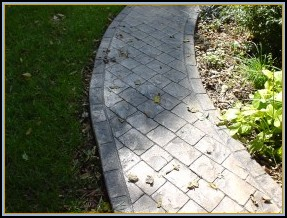 Stamped London Cobble Walkway